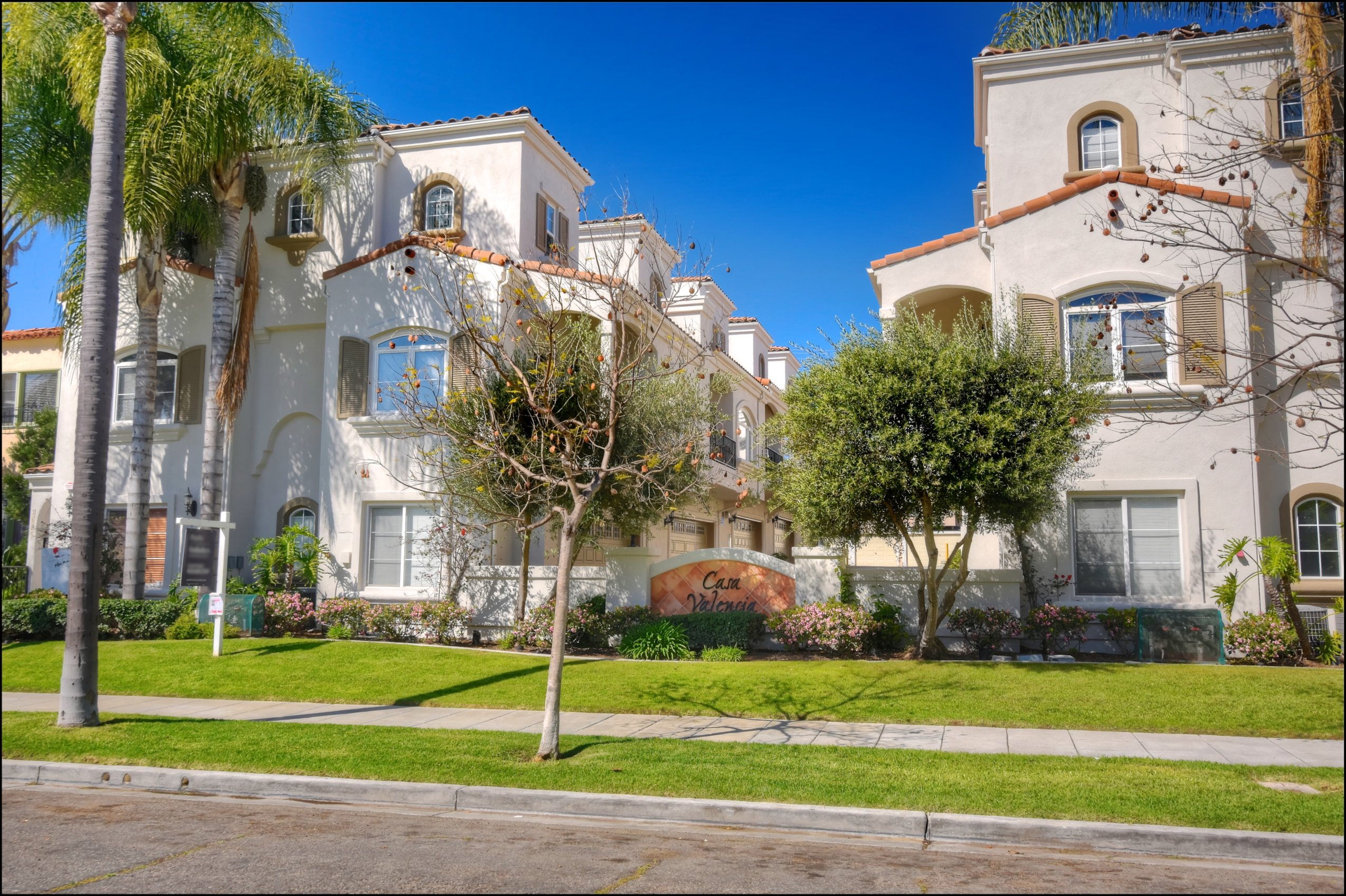 Hillcrest 3 Story Town Home for Sale