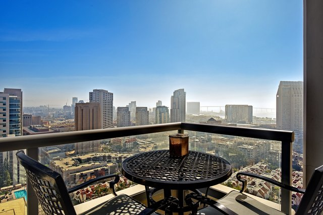 Marvelous Condo in the Luxurious Electra For Sale
